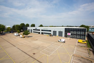 Unit 2 Maxted Court, 2 Maxted Court, Hemel Hempstead, Industrial To Let - 173A4562min.jpg - More details and enquiries about this property