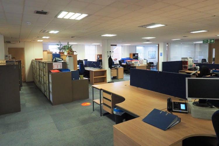 Premier House, 36-48 Queen Street, Horsham, Office To Let - PC090010.JPG