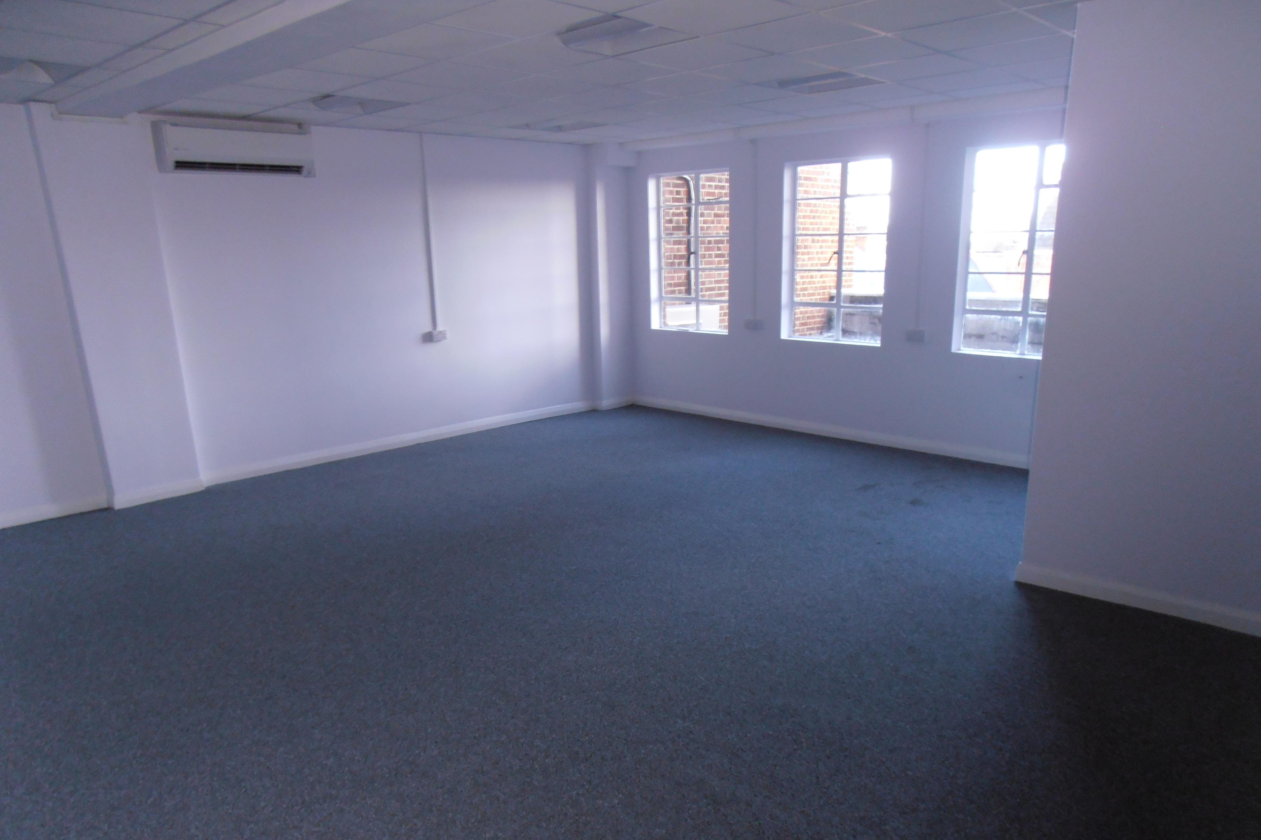 Essex House, 15 Station Road, Upminster, Offices To Let - Essex_House_Upminster_Offices_To_Let_Rent_1.JPG