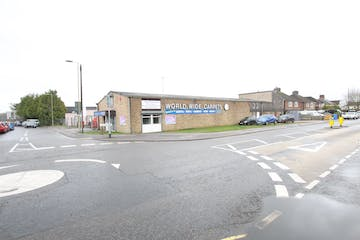 Former World Wide Carpets, North Lane, Aldershot, Retail / Warehouse & Industrial / Trade Counter For Sale - IMG_9571.JPG