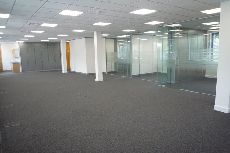 459 London Road, Camberley, Offices To Let - P1100068.JPG