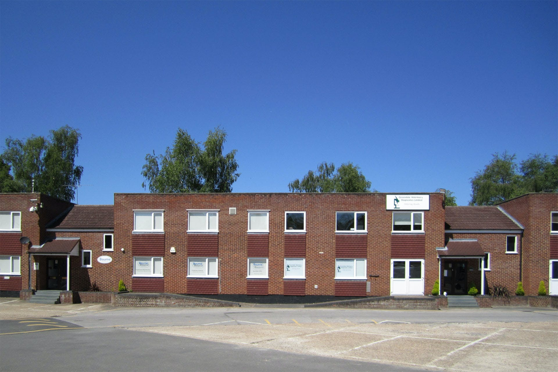Lansbury Business Estate, 102 Lower Guildford Road, Knaphill, Woking, Office To Let - LBE-unit-SU2_0573-1920.jpg