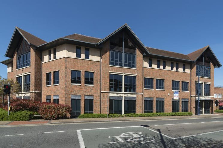 1st Floor Lindsey House, 1 Station Road, Addlestone, Offices To Let - External 3