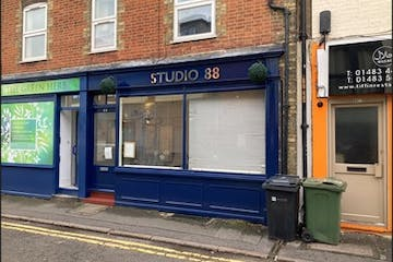 88 Haydon Place, Guildford, Retail To Let - Photo.jpg