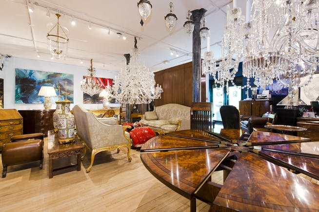 The Furniture and Arts Building, 533 Kings Road, Chelsea,  Sw10, Office / Retail To Let - showroom@533 kings rd-5094 low.jpg