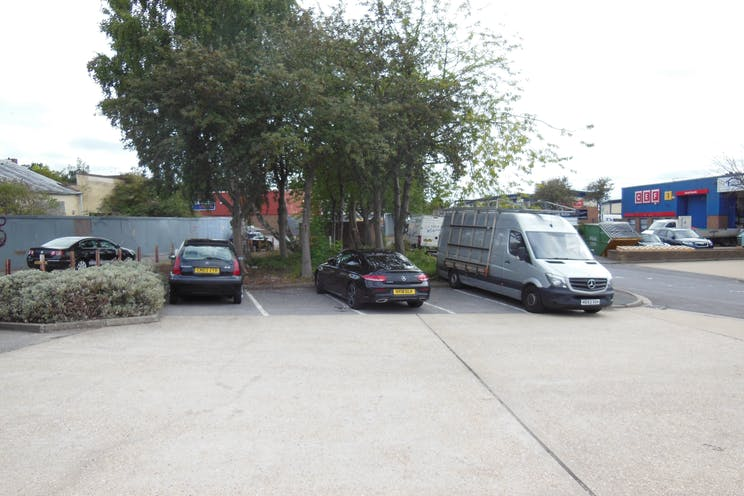 Unit 21 St Georges Industrial Estate, Camberley, Warehouse & Industrial To Let - DSCN7157.JPG