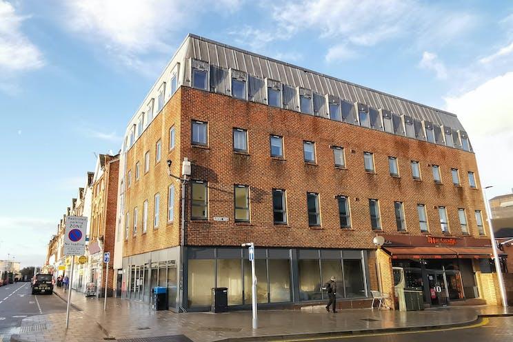 Unit 1 Regent House, 19-20 The Broadway, Woking, Retail To Let - regent 3.1.jpg