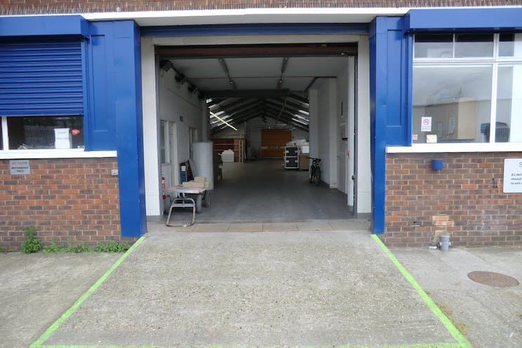 Unit 17 Willow Lane Business Park, Mitcham, Investment Property For Sale - picture