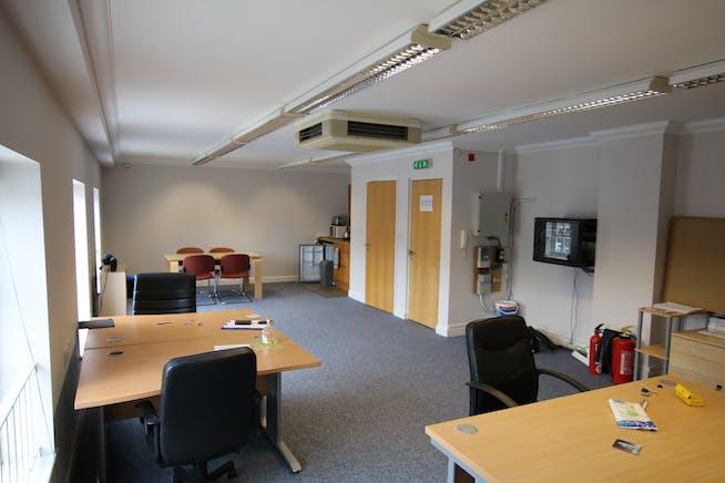 Suite 3, First Floor, 44 Holdenhurst Road, Bournemouth, Office To Let / For Sale - 44 Holdenhurst Road Bmth 001.JPG