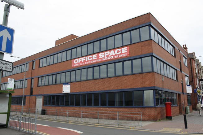 Crown House, Newcastle Avenue, Worksop, Office To Let - IMG_1215.JPG