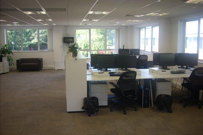 First Floor, 31 Wellington Business Park, Crowthorne, Offices To Let - aba7161d565c7de2393b7345a343c16f7f2487c5.jpg
