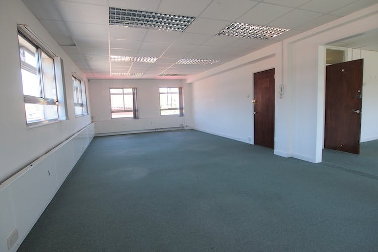 Rooms 1-2, Commercial House, Haywards Heath, Office To Let - P1013772.JPG
