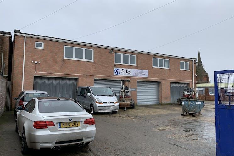 Moreland Road, Gosport, Industrial To Let / For Sale - RWUc4gA6.jpg