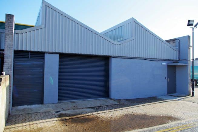 Unit 11-13 Zennor Trade Park, Balham, Industrial To Let - IMGP4277.JPG