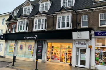 13 High Street, Petersfield, Petersfield, Retail To Let - Storefront.jpg