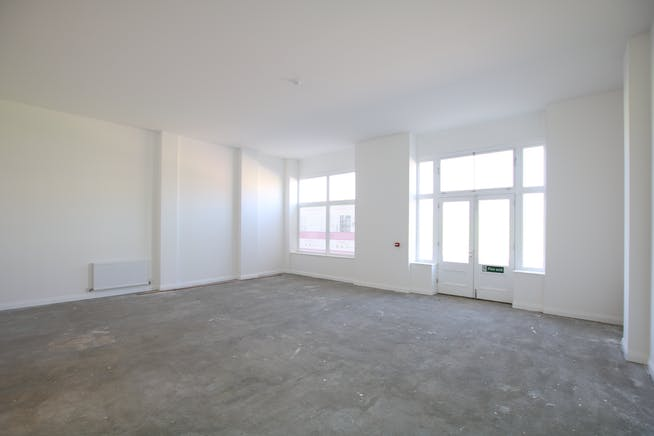 Unit B, Regents House, Crown Square, Dorchester, Office / Retail & Leisure To Let / For Sale - IMG_8390.JPG