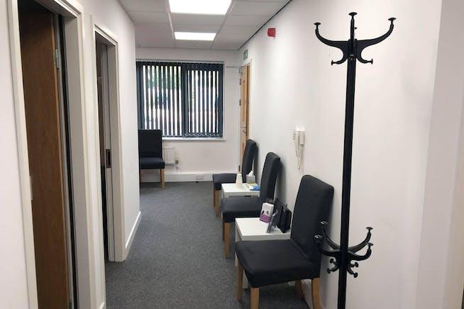 Unit 4 Parklands, Guildford, Offices To Let - 242633475_1076908386450343_5435121896884990115_n.jpg