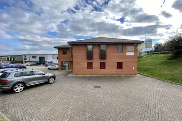 First Floor, Network House, Station Yard, Thame, Office To Let - FRONT 2.JPG