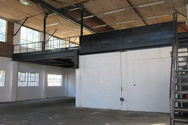 5 Cumberland Works, West Byfleet, Warehouse & Industrial To Let - IMG_1964.JPG