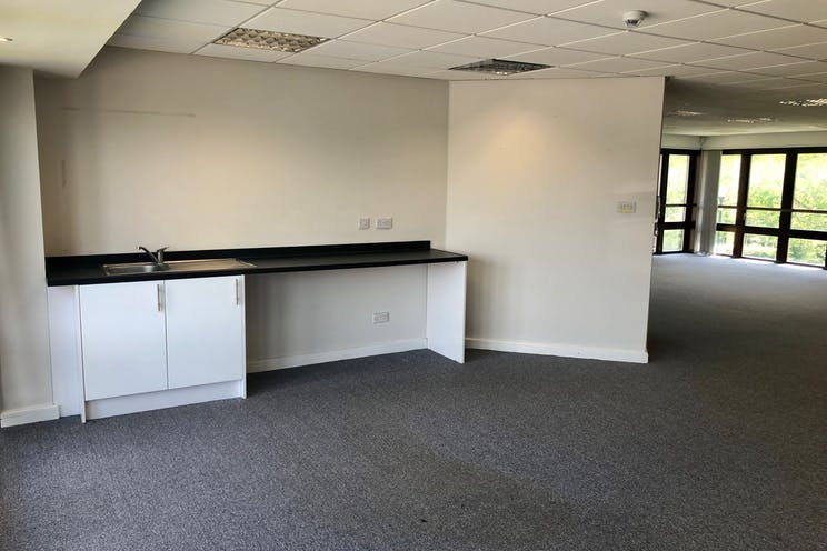6b The Briars, Waterlooville, Office To Let - c.jpg