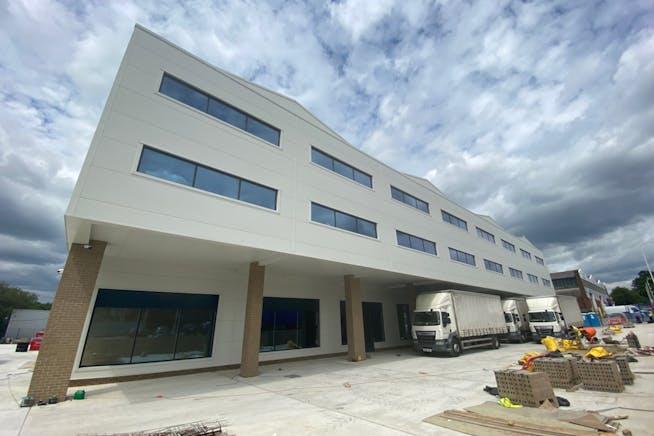 43 - 49 Fowler Road, Hainault, Office / Industrial To Let - IMG_1636.jpg