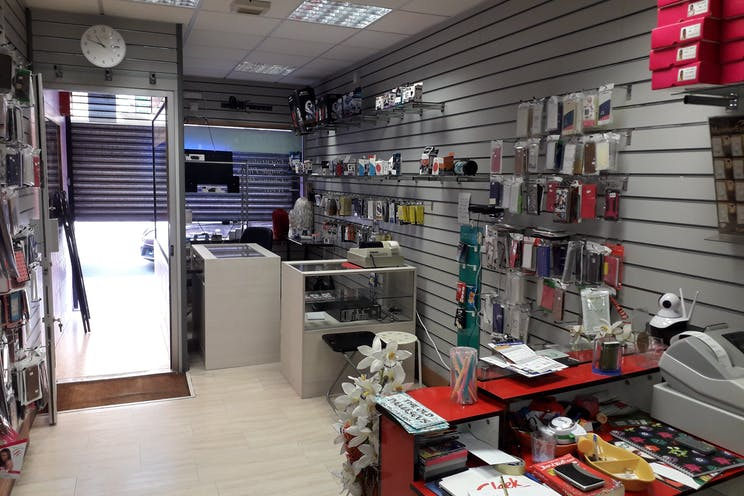 100 Fratton Road, Portsmouth, Investment  / Retail For Sale - 20190802_105237.jpg
