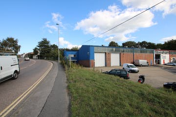 87A Ringwood Road, Poole, Industrial & Trade To Let / For Sale - IMG_8191.JPG