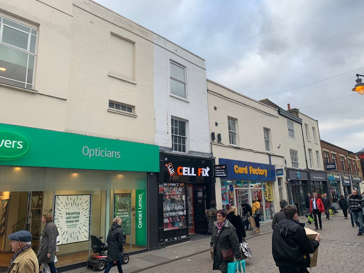 27 Week Street, Maidstone, Retail For Sale - 27 Week Street Maidstone Kent ME14 1QS photo 4 showing SpecSavers and Card Factory as neighbours.jpg