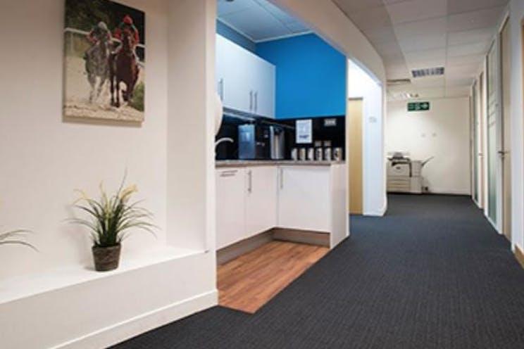 Dorset House, Leatherhead, Offices To Let - DorsetHouse.Lhead.4.JPG