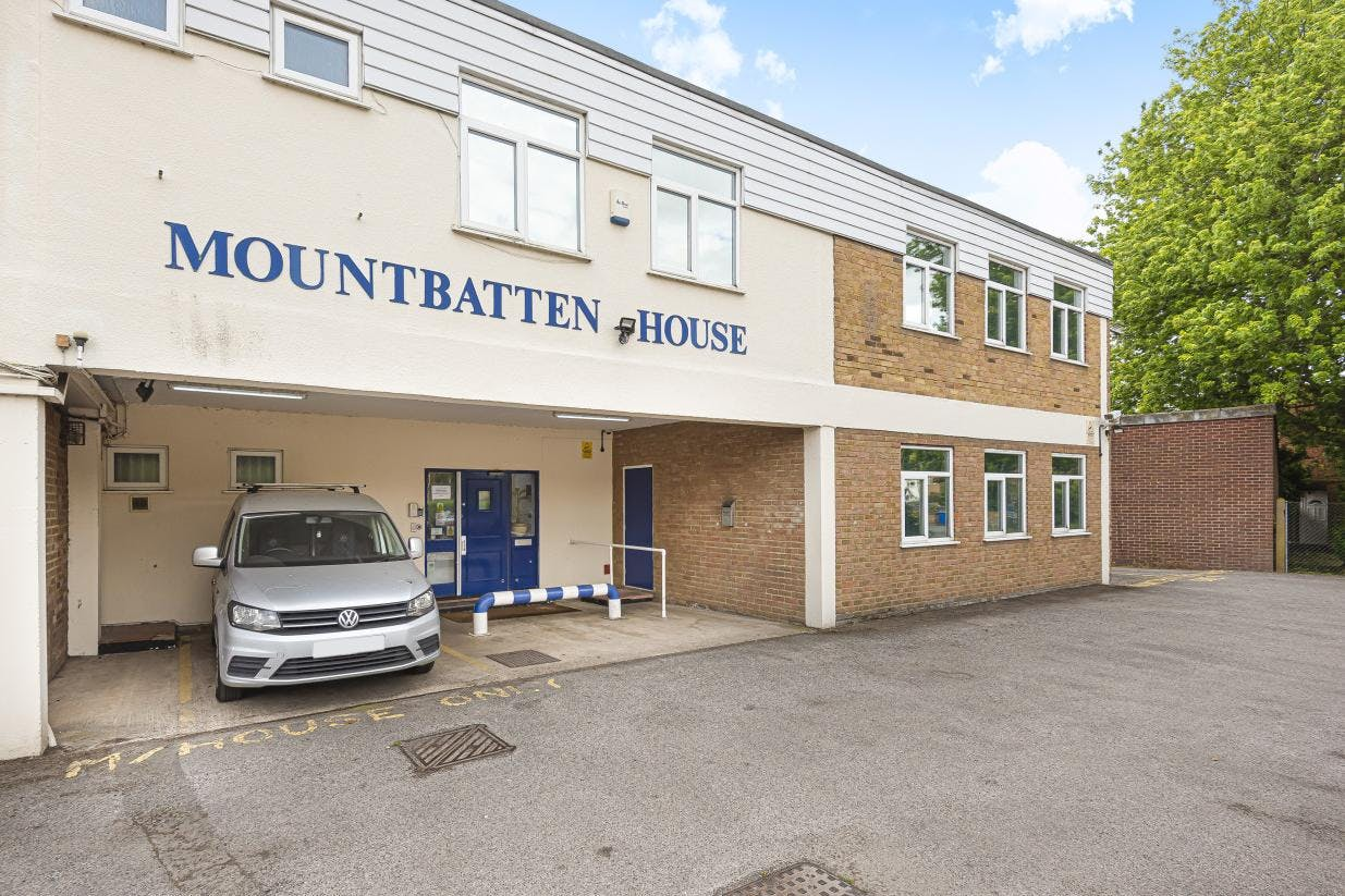 Mountbatten House Business Centre, Fairacres, Windsor, Office / Serviced Office To Let - 612015 (1).jpg