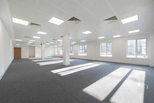 Chiswick Gate, London, Office To Let - 008_Property (1).jpg