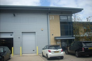 Unit J1, Ascot Business Park, Ascot, Industrial / Investment To Let / For Sale - DSCN6067.JPG