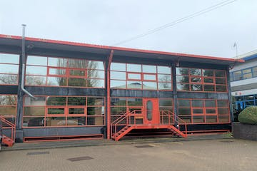 Unit 11, Leatherhead, Warehouse & Industrial To Let - IMG_4659.jpg