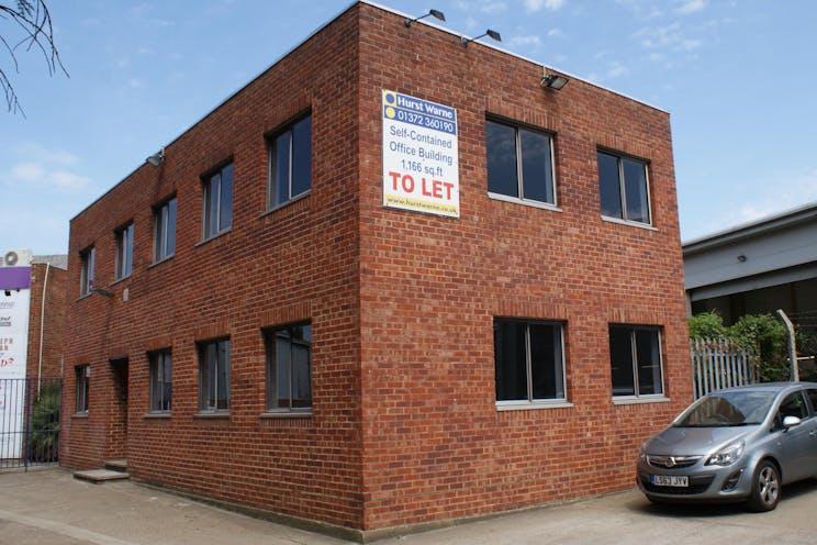 128a Kingston Road, Leatherhead, Offices To Let - DSC04835.JPG