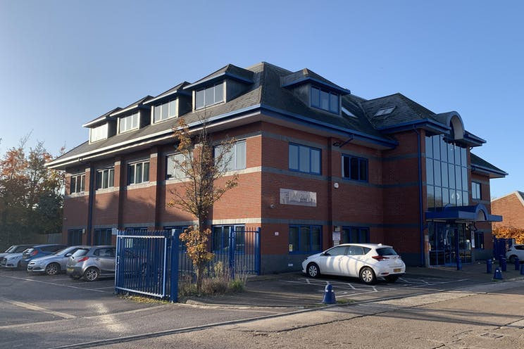 Part 1st Floor, Lan 2 Lan House, Leatherhead, Offices To Let - IMG-4676.jpg