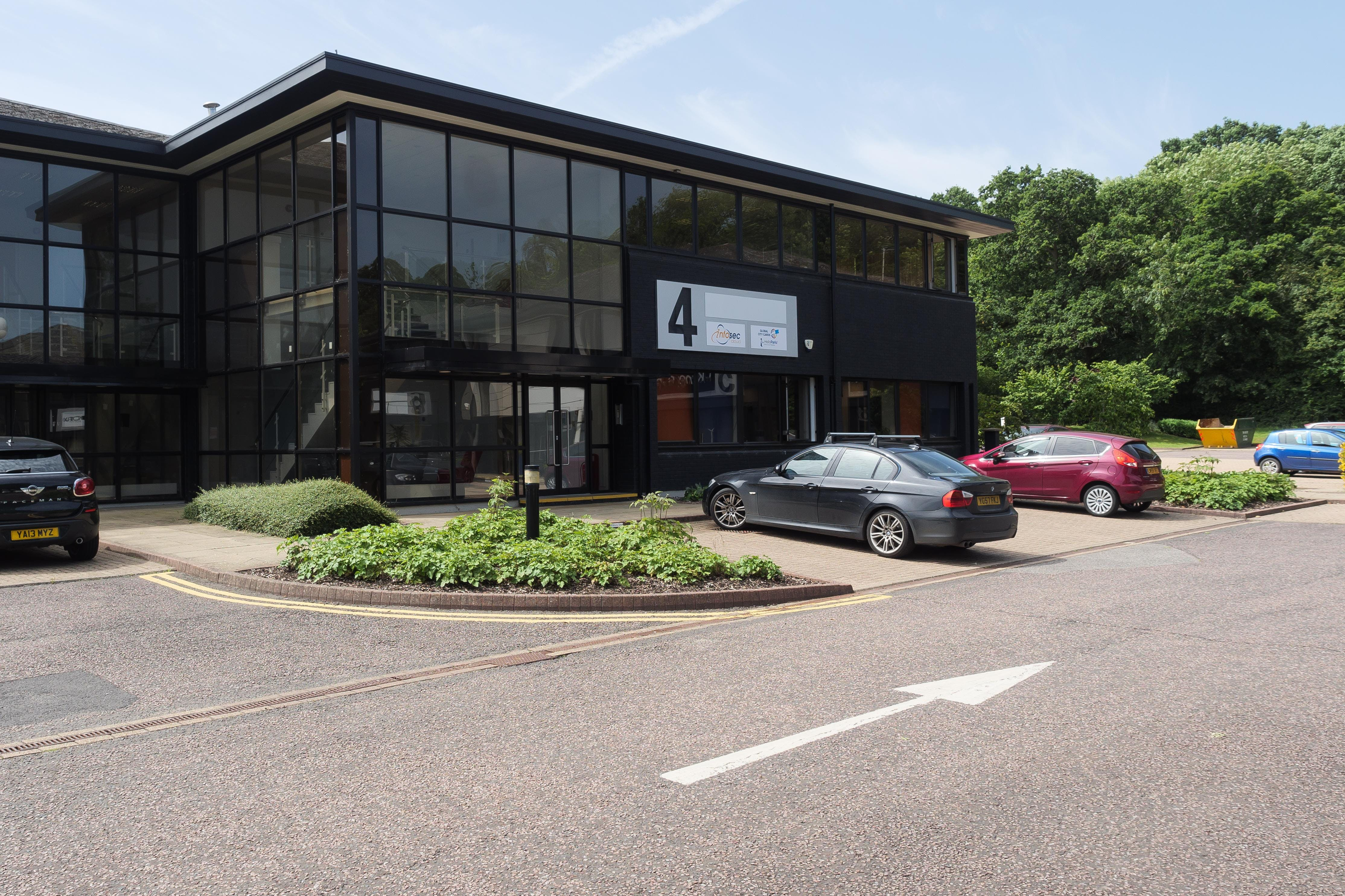 4 Elmwood, Chineham Park, Basingstoke, Offices To Let - P3527839.jpg