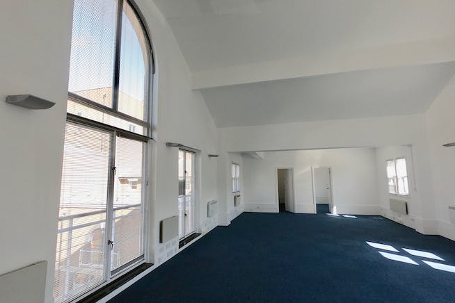 Plantation Wharf, York Place, London, Offices To Let - Example Internal (1)