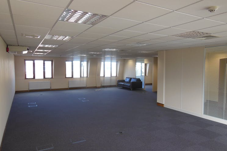 161 Fleet Road, Fleet, Offices To Let - DSCN7254.JPG