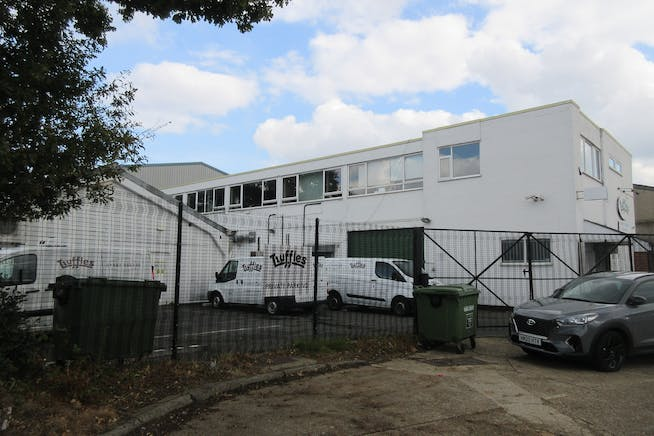 Allied House, Abbot Close, Byfleet, Offices / Warehouse & Industrial To Let / For Sale - IMG_2122.JPG