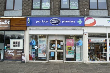 11 The Parade, Camberley, Retail To Let - P1050158.JPG