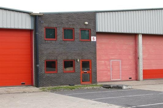 6 Field End, Crendon Industrial Park, Long Crendon, Industrial To Let - longcrendon1.jpeg