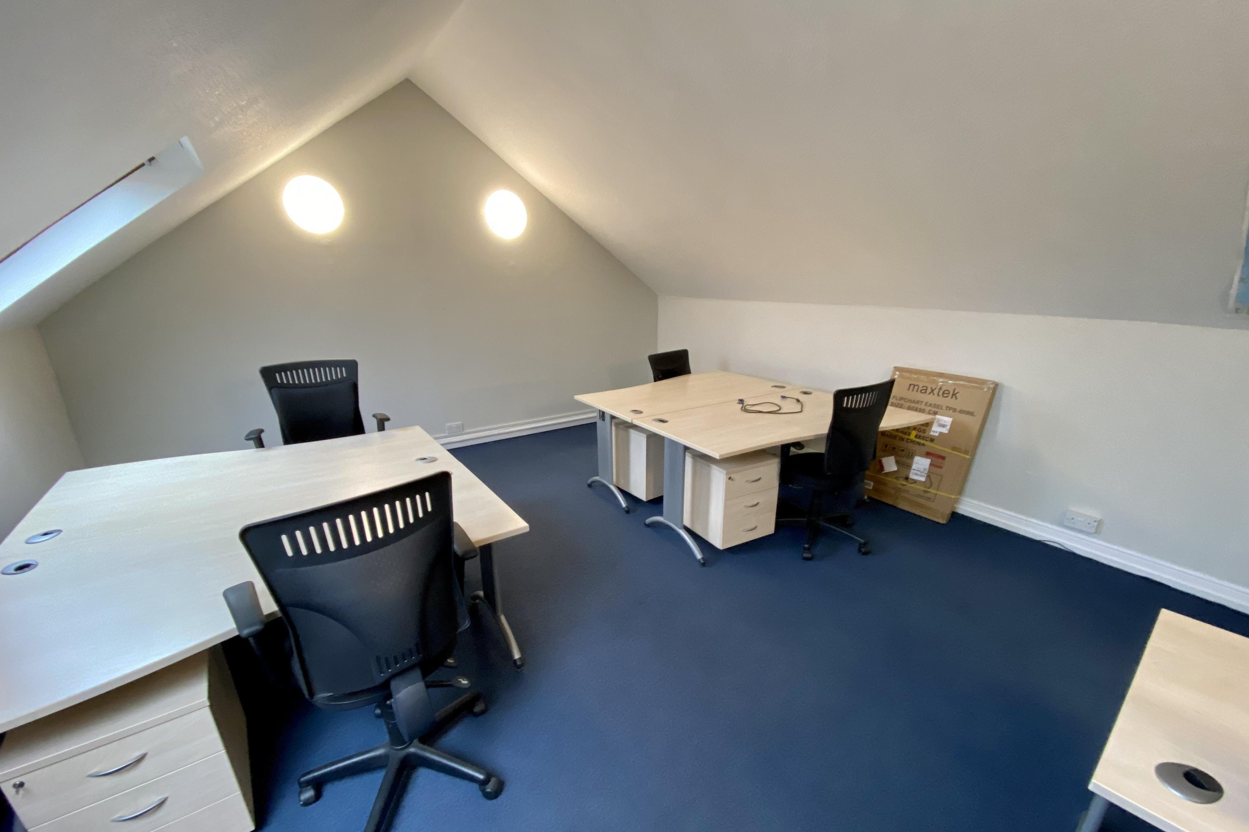 Sanderum Centre, Oakley Road, Chinnor, Office To Let - IMG_1852 2.JPG