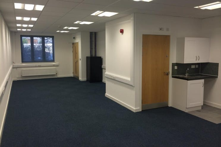 Unit 4 The Axis Centre, Leatherhead, Offices To Let - Internal 4