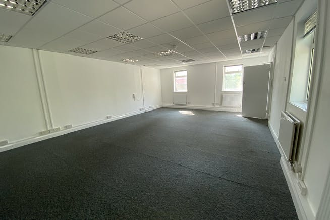 Unit 1 Hutchins Close, Stratford, Office / Industrial To Let - IMG_1362.JPEG