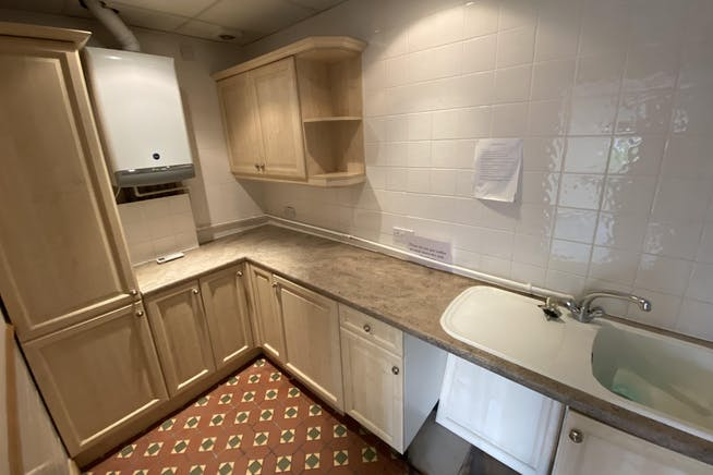First Floor, Network House, Station Yard, Thame, Office To Let - IMG_2275.JPG