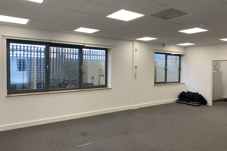 Ground Floor Unit 6 Rotherbrook Court, Petersfield, Office / Business Park To Let - Photo 27092021 11 41 10.jpg