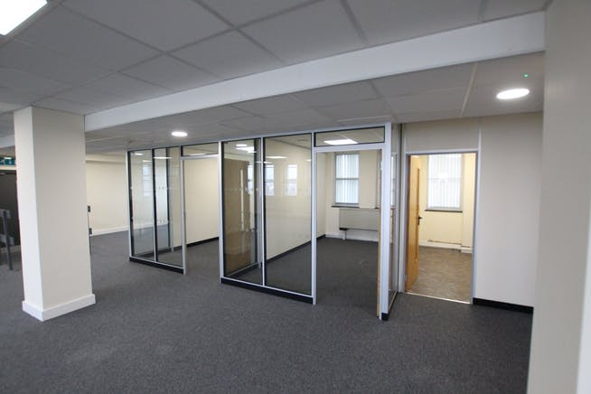 Suite 5B, Westmead House, Farnborough, Offices To Let - IMG_1954.JPG