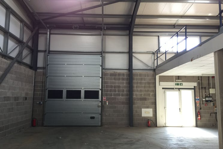 6 The Glenmore Centre, Southampton, Industrial To Let - HNF1DQcH.jpg