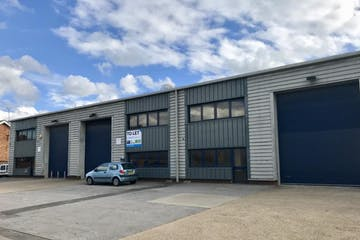 Unit 26 Vale Industrial Estate, Southern Road, Aylesbury, Industrial To Let - KjYXxlDHT7yphhXQy%X2jQ_thumb_ef65.jpg