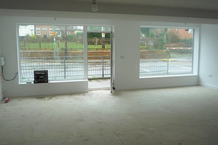 112 Connaught Road, Woking, Retail For Sale - 112 connaught internal (2).JPG